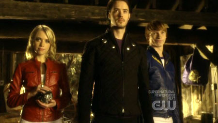 "Un'immagine della Legione di ""Smallville"". Da sinistra: A. Johnson/Saturn Girl, R. Kennedy/Cosmic Boy, C. Worthy/Lightning Lad"
