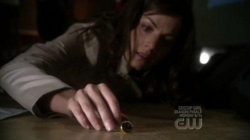 Lois si imbatte nel Legion Flight Ring nel finale dell'ottava stagione di Smallville