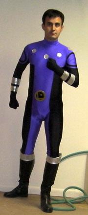 TroopNY abbigliato da Cosmic Boy