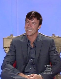 """Tony Bedard ospite di Maria De Filippi a """"Uomini e Donne"""""""