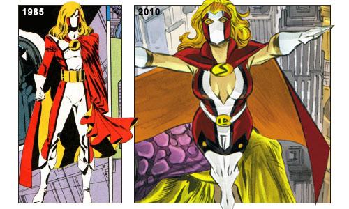 Costumi a confronto: la Sensor Girl del 1985 (sulla sinistra, disegno di G. LaRocque) e quella del 2010 (a destra, disegno di F.J. Manapul)