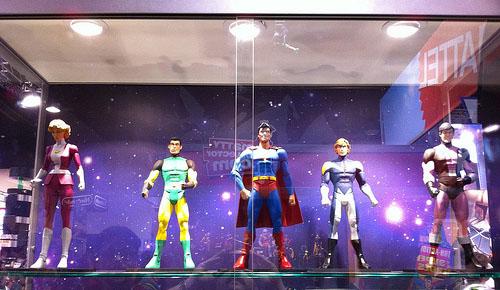 Le nuove action figures della Legione esposte allo stand DC Direct del San Diego Comic-Con 2010